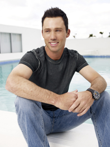 Publicity photo of actor Jeffrey Donovan.